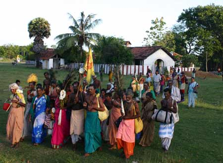 Pada Yatra pilgrims set out from Verugal Chitra Vel Ayudha Swami Kovil in 2005